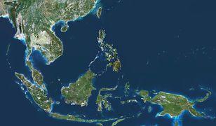 Tajlandia: Pabuk wyrządza szkody. Sztorm uwięził turystów na wyspach