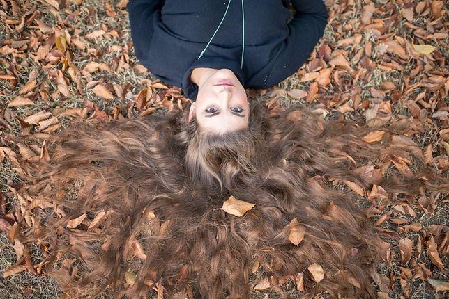 3 zasady mocnych włosów jesienią. Radzi Grzegorz Duży główny stylista Shake Your Head