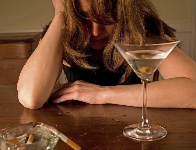 Piła za 500 plus i zasiłki. Sąd odebrał jej dzieci