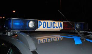 Wrocław. Pijany 28-latek zaatakował nożem znajomego i policjantów