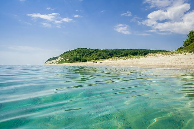 Dla cudownych plaż Bułgarii w sezonie ściąga tu mnóstwo spragnionych słońca i czystego nieba turystów