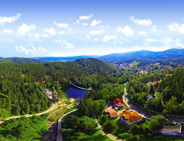 Majestatyczne góry przyciągają turystów przez okrągły rok