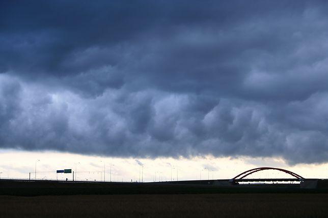 Prognoza pogody na dziś - 25 czerwca. W całym kraju pochmurno. Na słońce nie ma co liczyć