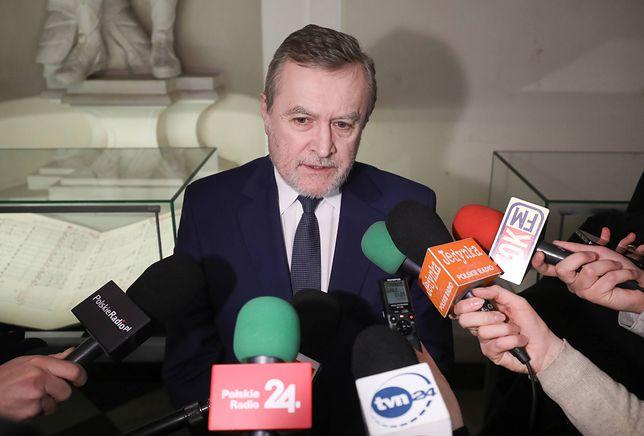 Piotr Gliński będzie otrzymywał rekomendacje od Rady Pamięci, która ma liczyć od 7 do 11 członków