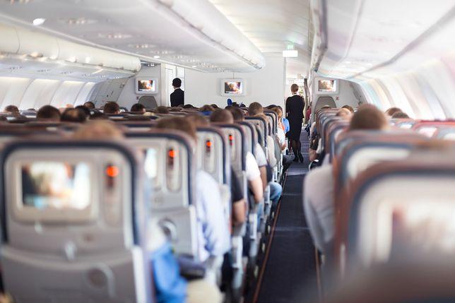 Jedzenie, które dostają pasażerowie, zostało przygotowane w ciągu ostatnich 12 miesięcy