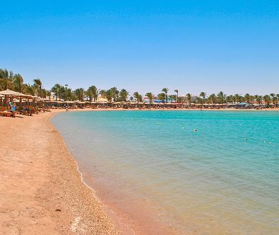 Hurghada przyciąga turystów kilometrami szerokich i piaszczystych plaż