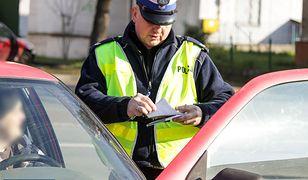 Kiedy policjant może zatrzymać nasze prawo jazdy?