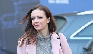 LOOK OF THE DAY: Anna Wendzikowska w różowym płaszczu