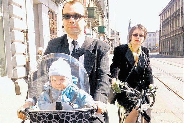 Witold Kopeć do kościoła jeździ rowerem. Z całą rodziną