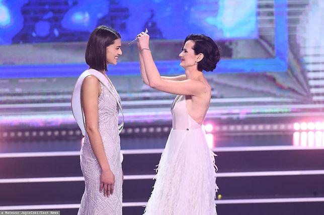 Paulina Gumowska wręcza Joannie Babynko koronę Miss Polski Wirtualnej Polski 2018