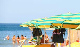Na włoskich plażach trwa akcja przeciwko rezerwowaniu leżaków