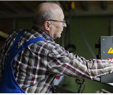 Niemcy. Lewica uważa, że należy wprowadzić minimalną emeryturę, by seniorzy nie musieli pracować
