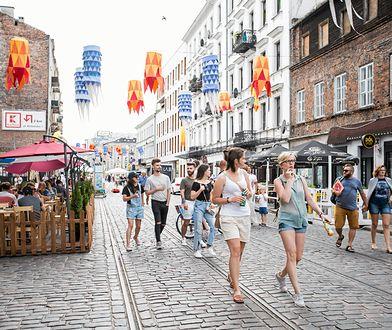 Kolorowy festiwal na ul. Ząbkowskiej co roku przyciąga rzesze turystów