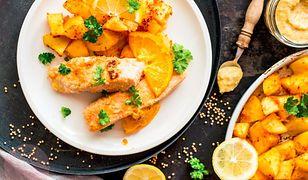 Musztardowo-pomarańczowy łosoś z pieczonymi ziemniakami. Pyszna ryba na piątek