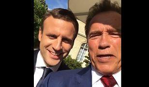 Macron i Terminator ratują Ziemię. Słoneczne selfie jest wymierzone w Trumpa