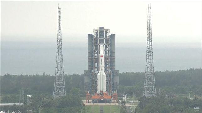 Start rakiety rakiety Long March 5B
