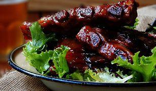 Gotowanie na ekranie: pieczone żeberka w coli