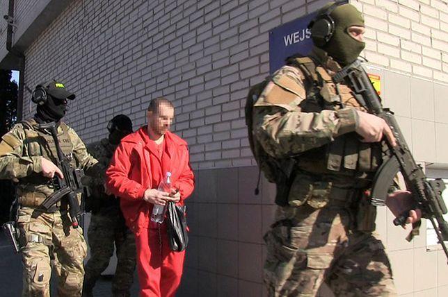 Podwójne zabójstwo pod Warszawą. Zbrodnia sprzed lat wyjaśniona