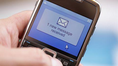 Polacy wolą MMS-y od SMS-ów? Raport Urzędu Komunikacji Elektronicznej