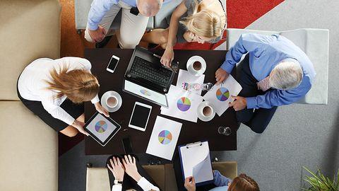 Praca grupowa widoczna na żywo w dokumentach na OneDrive