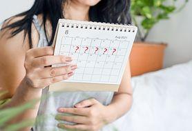 Miesiączka (okres) w ciąży - plamienie implantacyjne, wczesne krwawienie ciążowe, nadżerki szyjki macicy, polipy, żylaki, poronienie, ciąża pozamaciczna