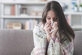 Nieżyt nosa - objawy, przyczyny, leczenie, żółty katar
