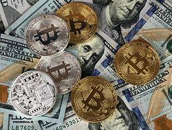Bitcoin przełamał kolejną barierę. PayPal i Facebook nakręcają zainteresowanie