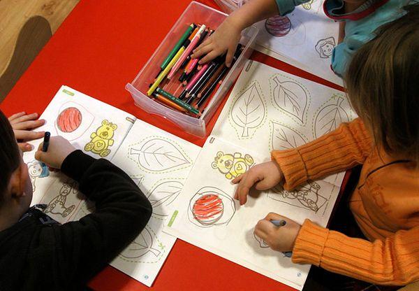 Sześciolatki szybciej rozwijają się w szkole
