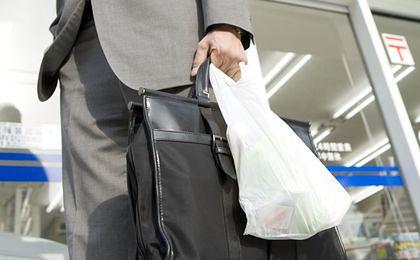 KE naciska na kraje w sprawie zużycia plastikowych torebek