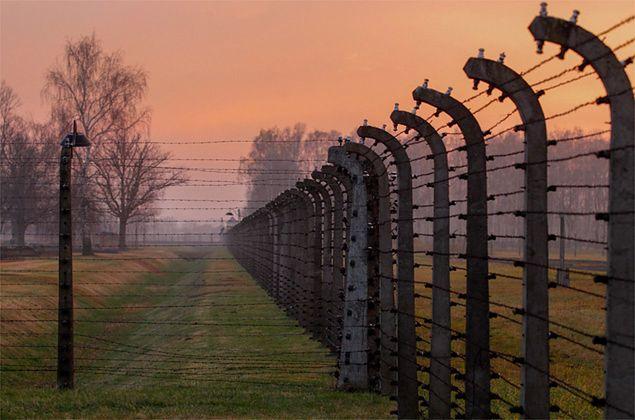 Niemiecki obóz koncentracyjny Auschwitz Birkenau w Oświęcimiu