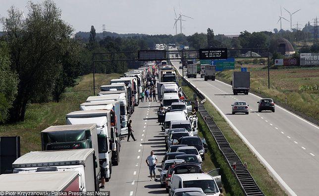 Wypadek na A4. Utrudnienia na jezdni w kierunku granicy (zdj. ilustracyjne)
