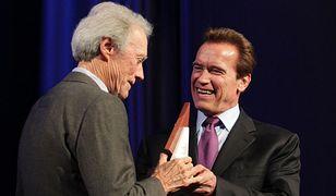 Clint Eastwood i Arnold Schwarzenegger na stoku. Nikt by ich nie poznał