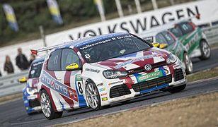 Mateusz Lisowski zwycięzcą VW Castrol Cup