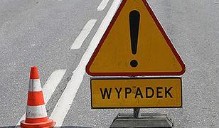 Rybnik: Wypadek na Mikołowskiej, samochód spadł z wiaduktu. Kierowca dostał mandat