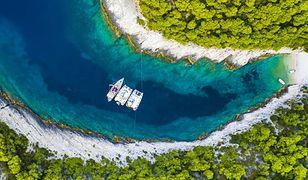Dalmacja to liczne ukryte zatoki z boskimi plażami