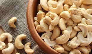 5 powodów, dla których warto jeść orzechy nerkowca