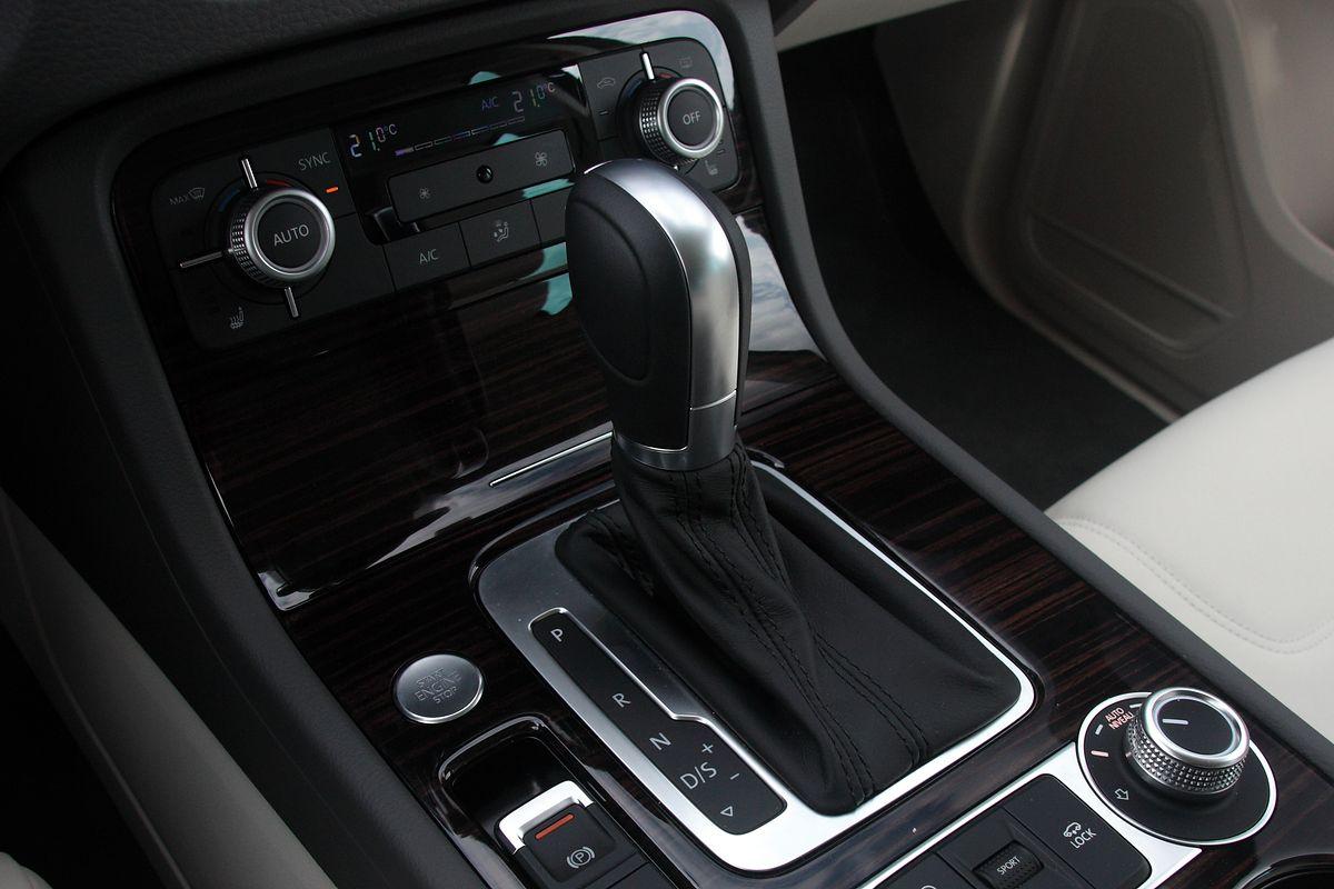 Czyszczenie parownika klimatyzacji w samochodzie. Sprawdzone metody