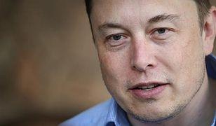 Elon Musk i Tesla inwestują w Bitcoina 1,5 mld dolarów. Kurs wystrzeliwuje