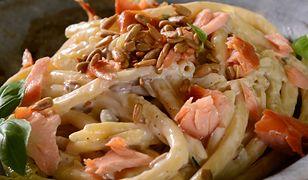 Spaghetti z łososiem i kremowym sosem śmietanowym. Szybko i smacznie