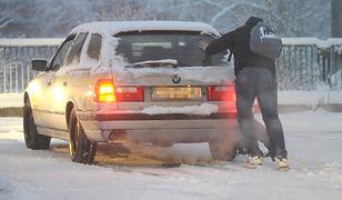 Miejscami już ponad metr śniegu. Wojewoda zwołał posiedzenie kryzysowe