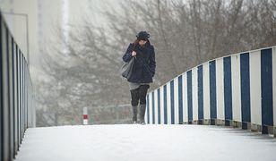 Prognoza pogody na dziś - 8 stycznia. IMGW wydaje trzy rodzaje alertów. Kolejnym problemem wiatr