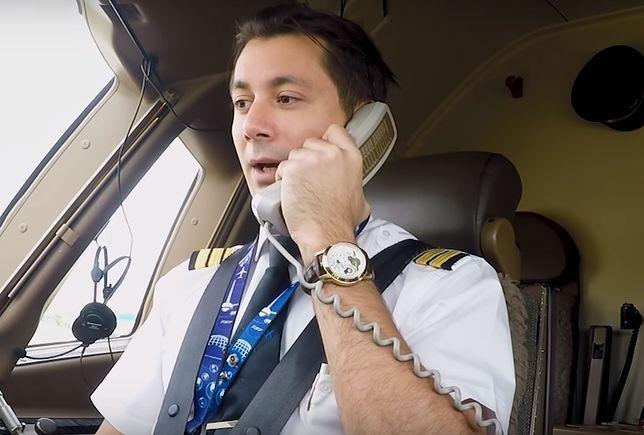 """Wzruszająca niespodzianka pilotów. """"Mamy na pokładzie wyjątkowego pasażera"""""""