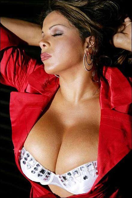 Sheyla Hershey - największe piersi Brazylii