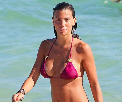 Claudia Galanti - ciężarówka na plaży!