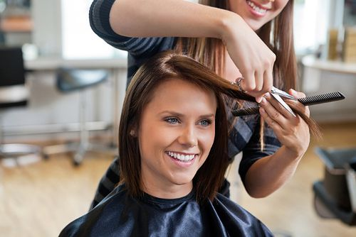 Fryzura long bob to modna wersja tradycyjnego boba