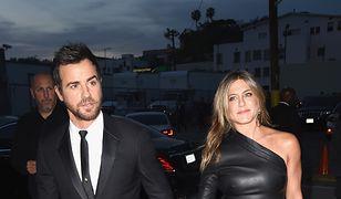 Jennifer Aniston: jej skórzana sukienka nie pozostawiła miejsca na wyobraźnię!