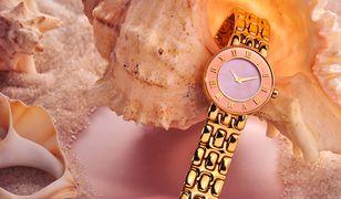 Zegarek z metalu w kolorze różowego złota to efektowny prezent dla kobiety