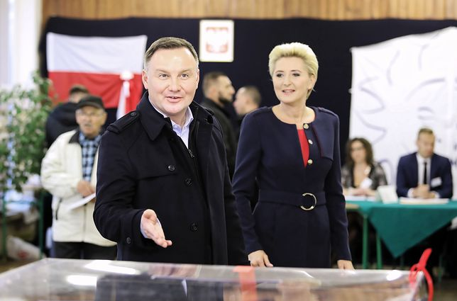 Politycy przy urnach