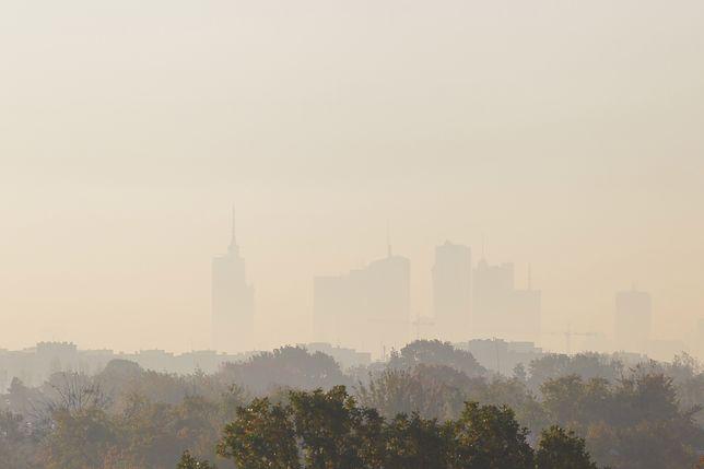 Warszawa: smog w mieście. Czwarty stopień zanieczyszczenia powietrza