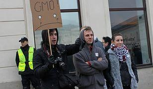 Protest przeciw GMO (wideo i zdjęcia)